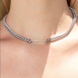 brandy melville necklace!!